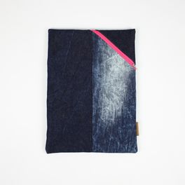 Laptop Sleeve aus Jeans von Bridge&Tunnel